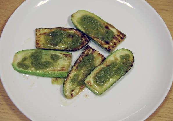 Жареные кабачки и Зеленый соус на  SW-2000