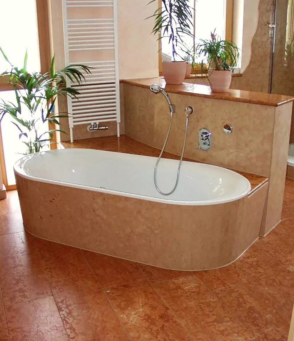 Ванная комната из мрамора Россо Верона