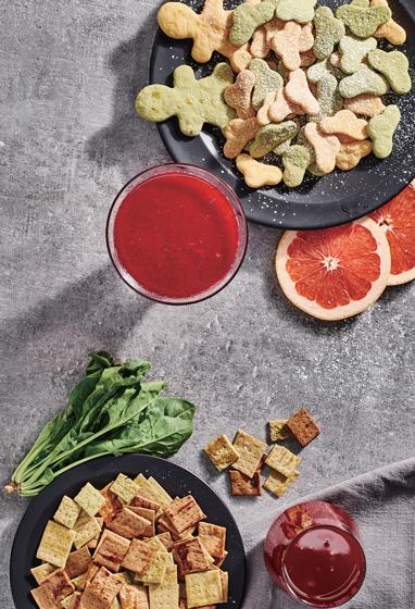 Свекольный сок и овощные крекеры